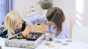 die besten Familienspiele: Kinder spielen Schnappt Hubi
