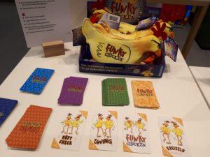 Spiele Neuheiten der Spielwarenmesse 2019 - Funky Chicken Partyspiel