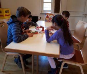 1. Spielend für Toleranz Spielenachmittag im Schloss Deufringen