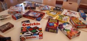 1. Spielend für Toleranz Spielenachmittag im Schloss Deufringen - Teil der Brettspiele Auswahl