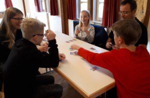 2. Spielend für Toleranz Spielenachmittag by Simone Spielt - Spielszene